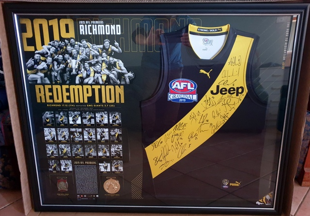 Richmond Tigers 2019 AFL Premiers Official Team Signed Jersey, Framed - GREAT PRICE