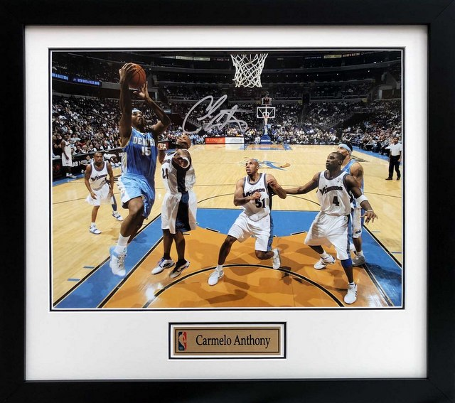Carmelo Anthony signed photograph