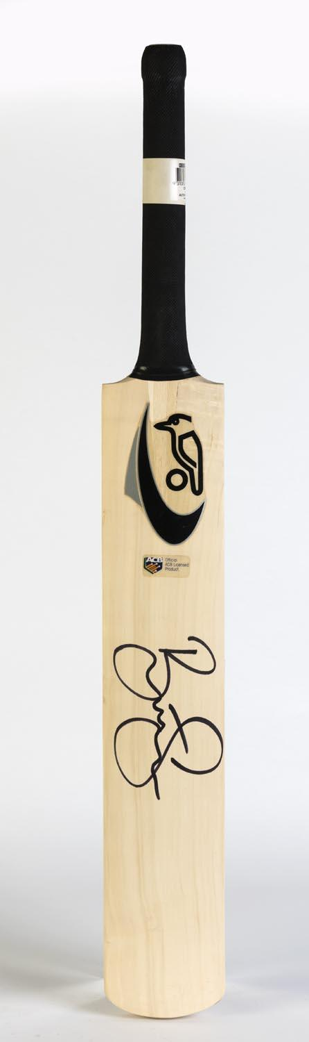 Brett Lee - Superb Signature on Full-Sized Kookaburra Bat