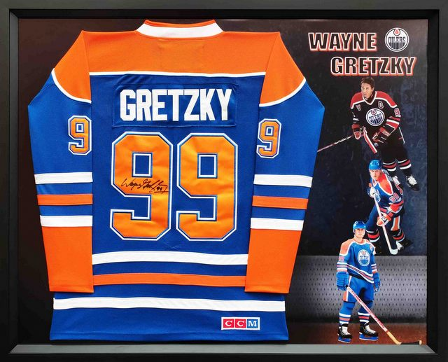 WAYNE GRETZKY Hand Signed Authentic Edmonton Oilers Jersey