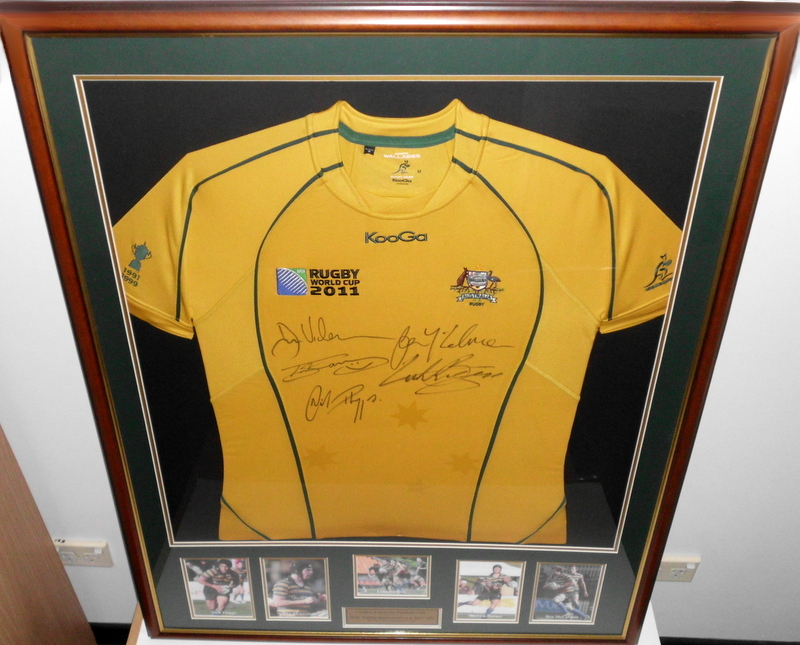 Sydney University Wallabies 2011, Personally Signed by Phipps, Vickerman, Burgess, Barnes, McCalman, Framed